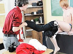 Photography teacher take geeky twink to blowjob